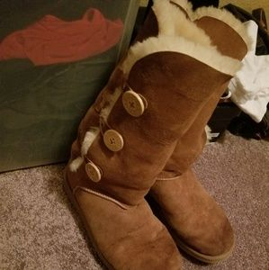 SIZE 10 WOMENS UGGS 1 00% AUTHENTIC